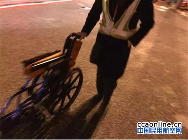 东航和浦东机场有义务向公众交代摆渡车情况