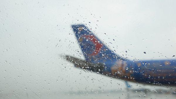 东航北京有条不紊应对雷雨大面积航班延误
