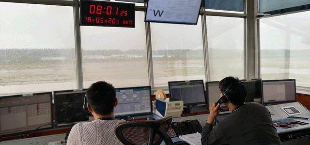 nEO_IMG_20180521新疆空管局阿克苏空管站管制运行部强对流天气下航班保障侧记